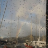 Regenbogen in der Marina Quinta do Lorde (Madeira)