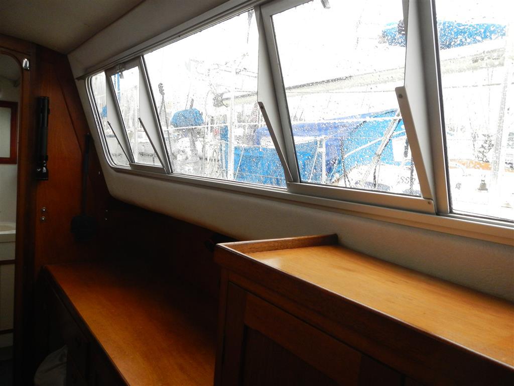 Backbordrumpf: Werkstatt und Kartentisch