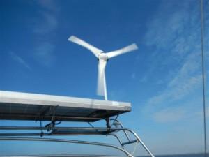 Der Windgenerator läuft!!!