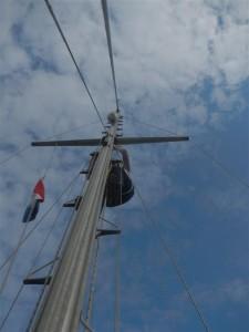 Im Mast.