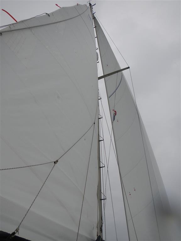 Da hat man mal die Segel draußen und schon hört der Wind auf!