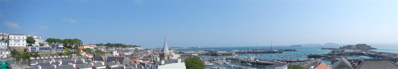 Blick auf St Peter Port