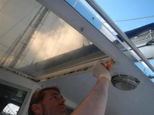 Heute endlich dazu gekommen, die Dachfensterumrandung zu zuspachteln.