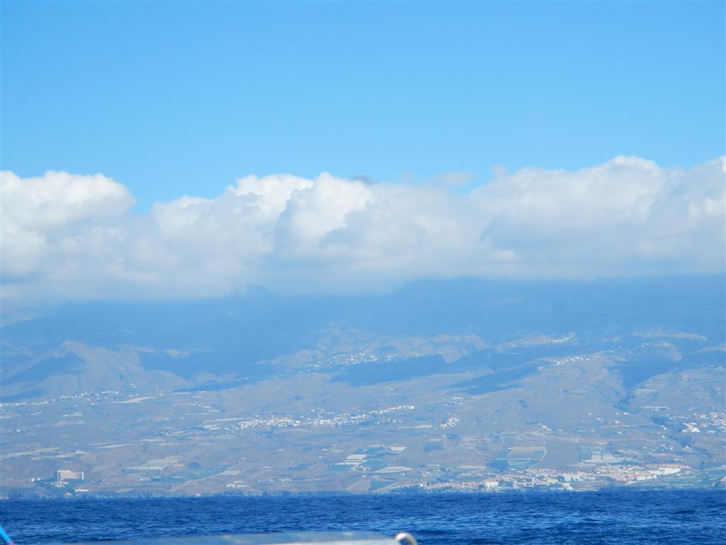 Hier sieht man über den Wolken noch die Spitze des Teide.