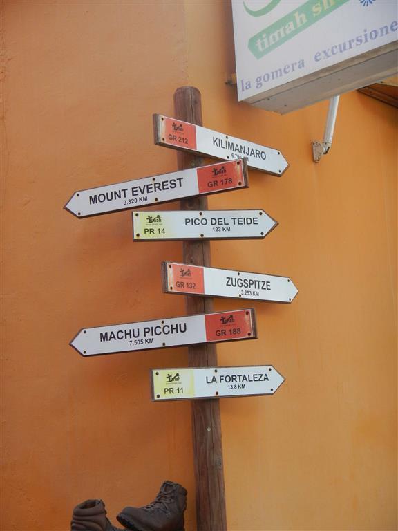 Wegweise auf La Gomera.