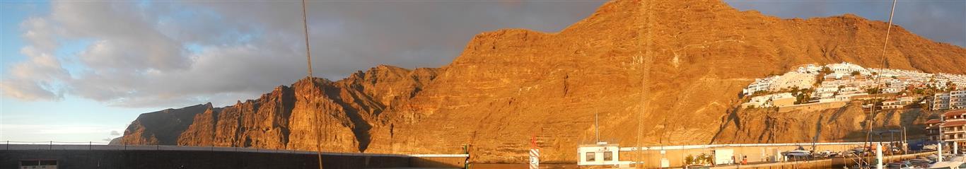 Was für ein Blick auf die Felsen von Los Gigantes.