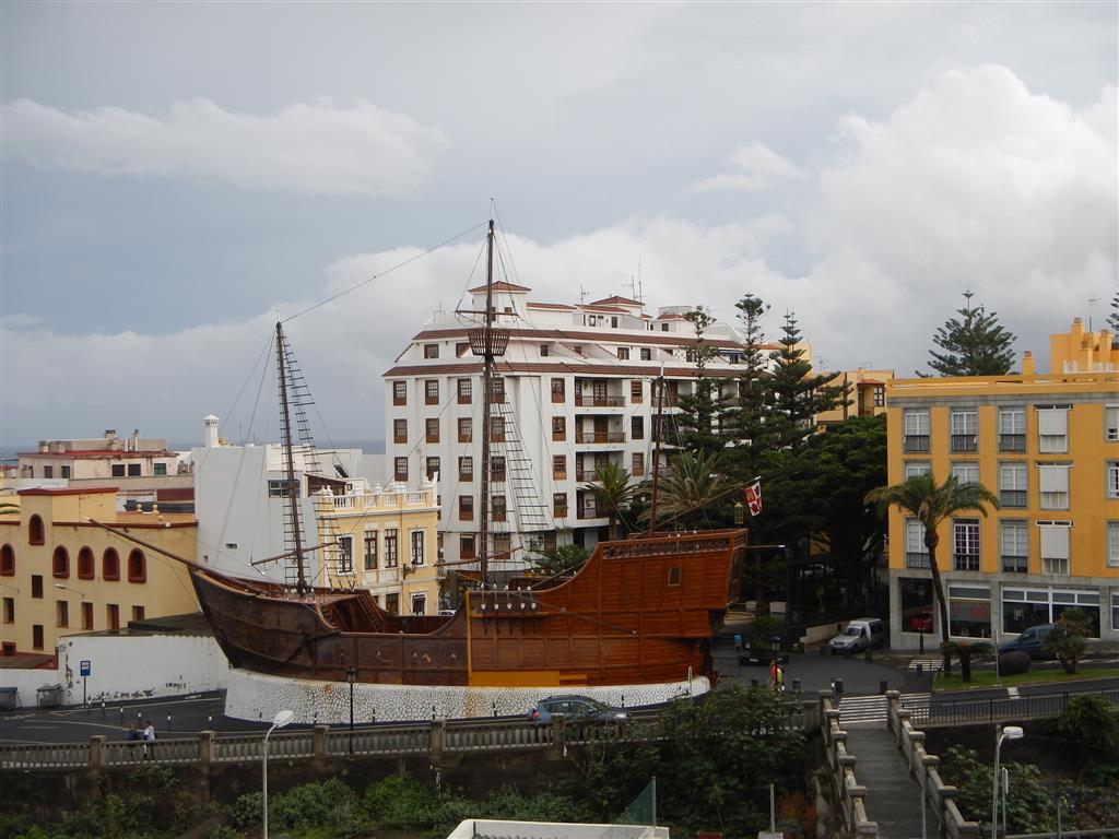 """Ein Nachbau von Columbus """"Santa Maria"""" steht in Santa Cruz de La Palma und dient als Schiffsmuseum."""