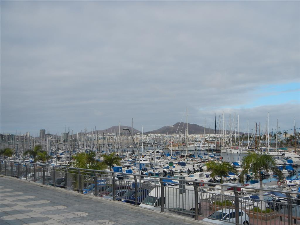 Die Marina in Las Palmas ist riesig.