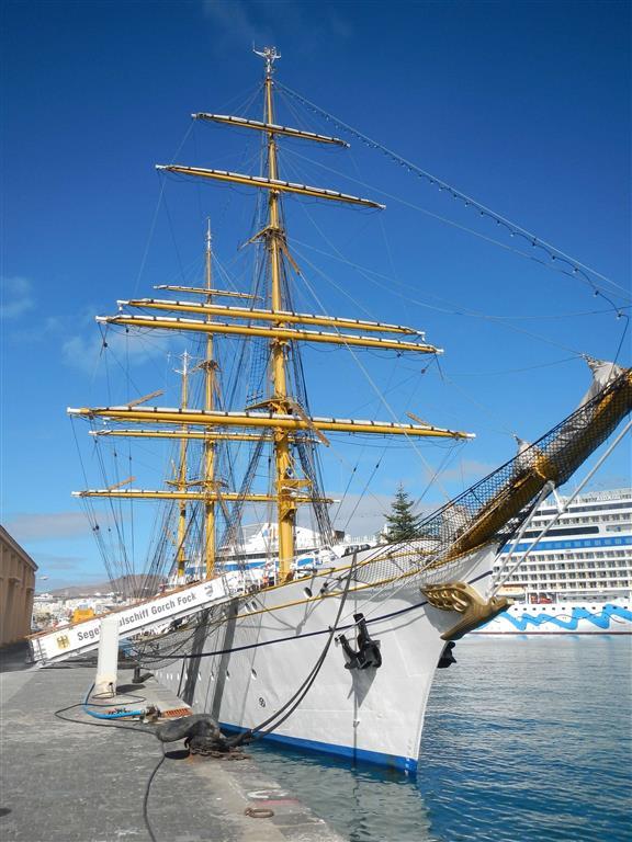 """Die """"Gorch Fock"""" im Hafen von Las Palmas."""