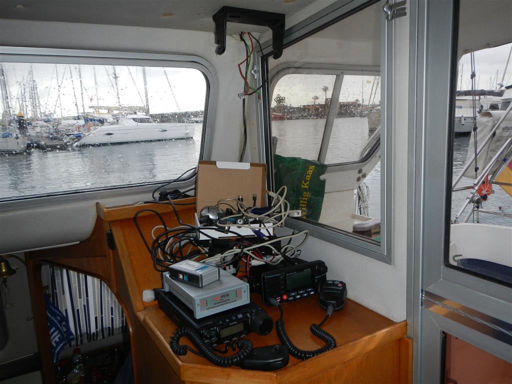 Neuverkabelung von Navigation und Funk