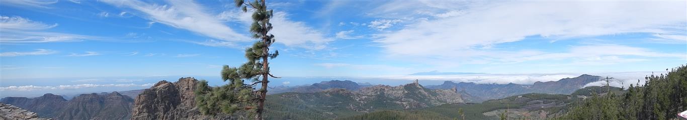 Blick vom Pico de las Nieves, man kann den Roque Nublo sehen und die Spitze des Teide
