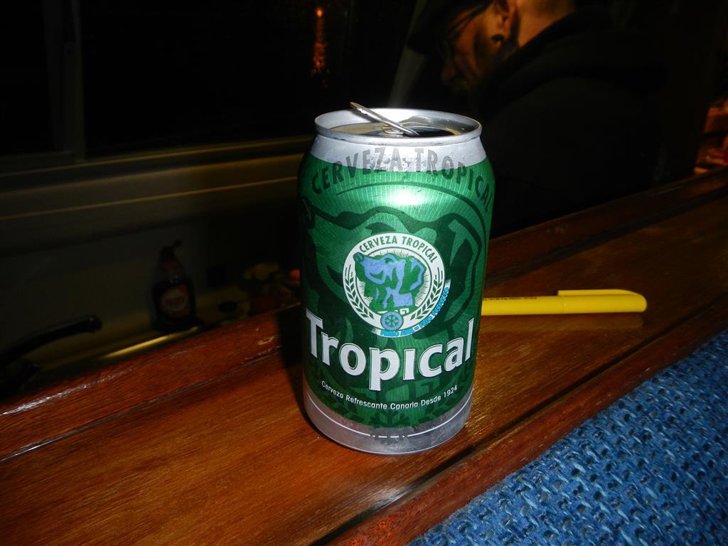Dank Karin und Michael wissen wir jetzt auch, dass die Bierdosen von Tropical einen Kälteindikator haben! Ist der abgebildete Hund blau, dann hat das Bier optimale Trinktemperatur!