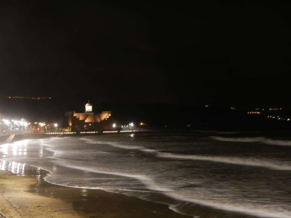 Playa de las Canteras bei Nacht.