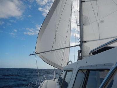 Wir segeln mit Schmetterlingsbesegelung nach Mindelo