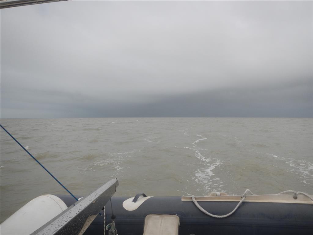 Die Wasserfarbe hat sich schon verändert, wir sind ca. 30 sm vor der südamerikanischen Küste.