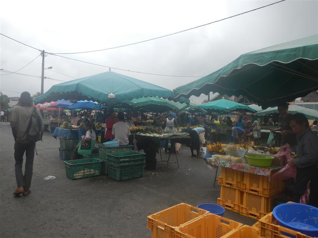Auf dem Obst- und Gemüsemarkt in St. Laurent du Maroni.