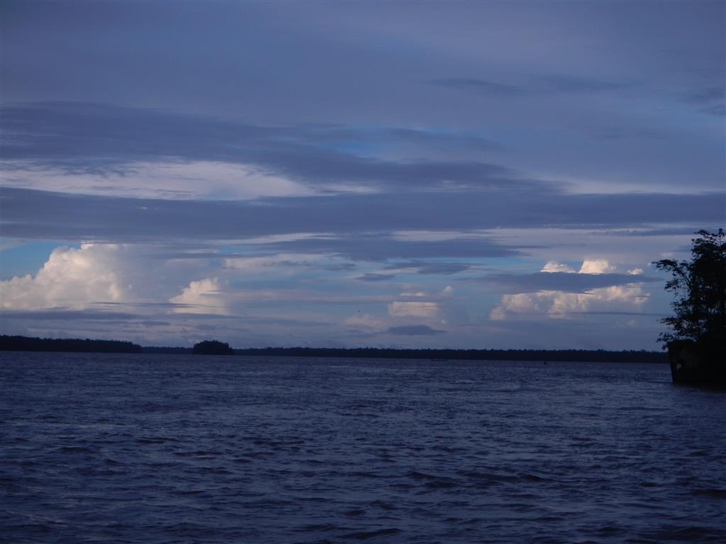 Jeden Abend kann man hier die tollsten Wolkenformationen sehen. Alle 10 min sieht es anders aus.