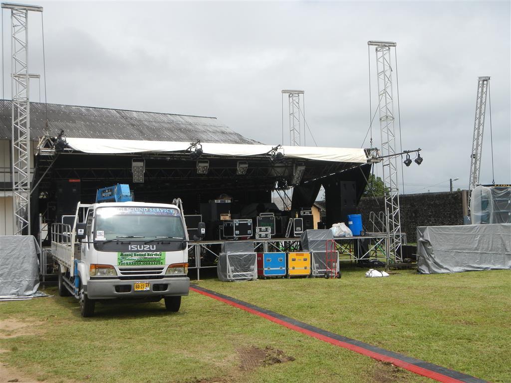 Das war die Bühne für das Konzert mit Wycleff Jean
