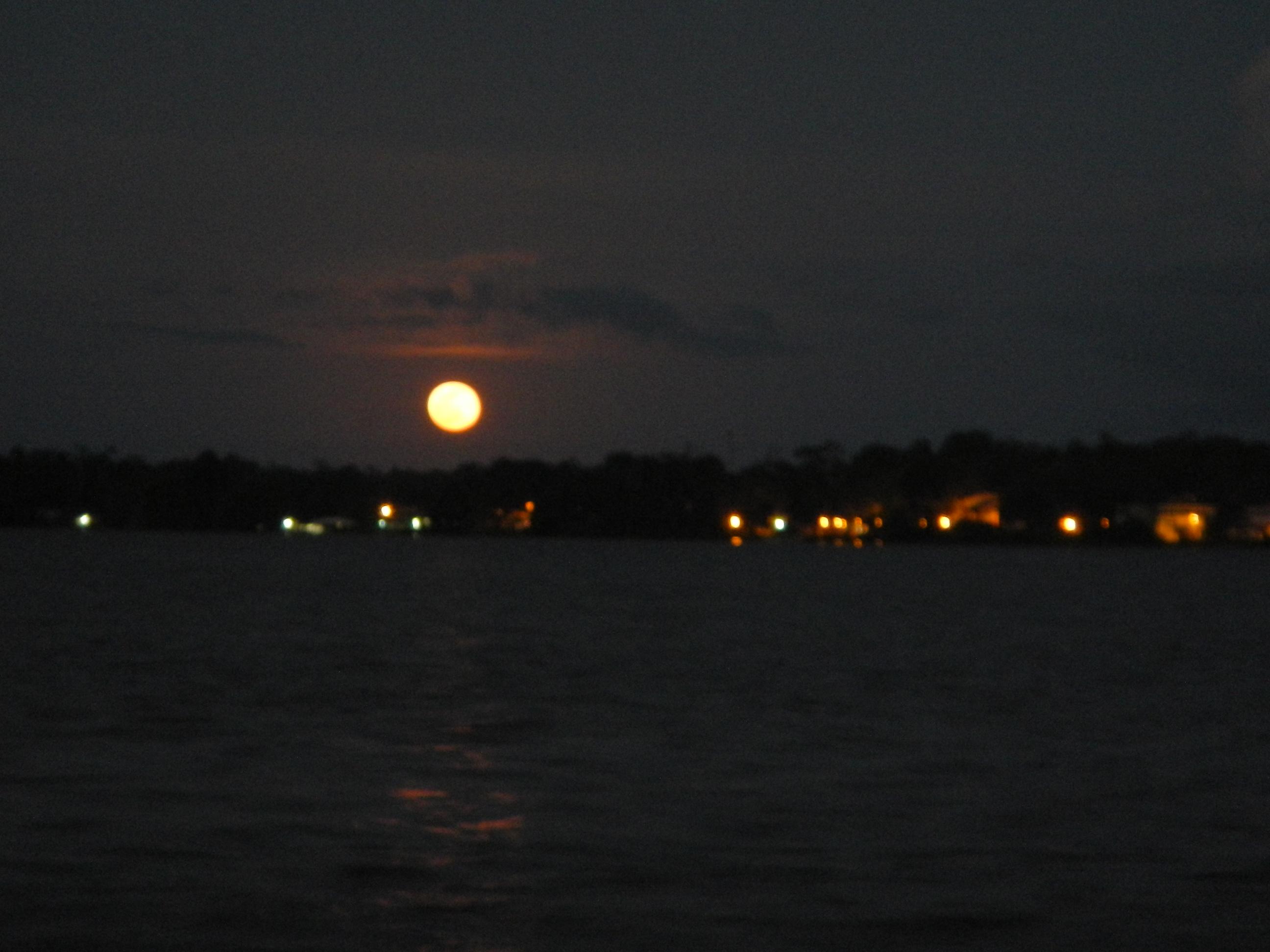 Das ist der Mond, nicht die Sonne!