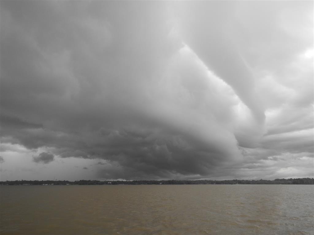 St. Laurent empfängt uns mit Gewitterwolken