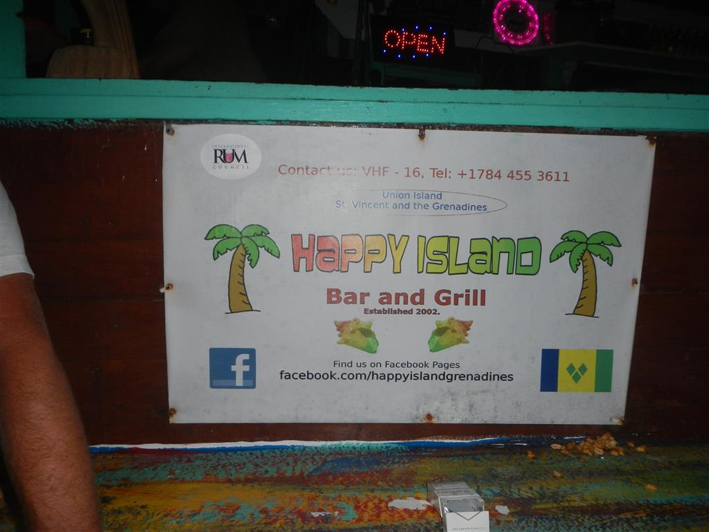Happy Island ist eine winzige Insel in Clifton Harbour, gerade mal Platz für eine Bar