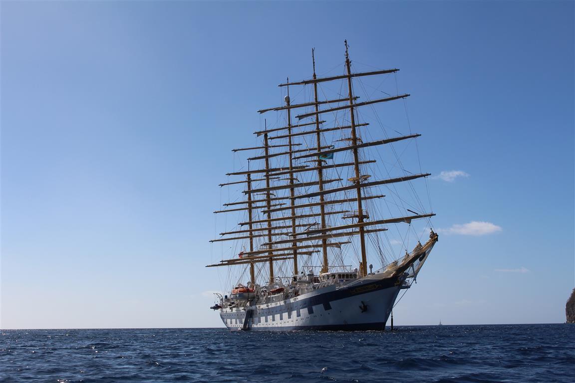 """""""Royal Clipper"""" in der Bucht von Soufriere"""