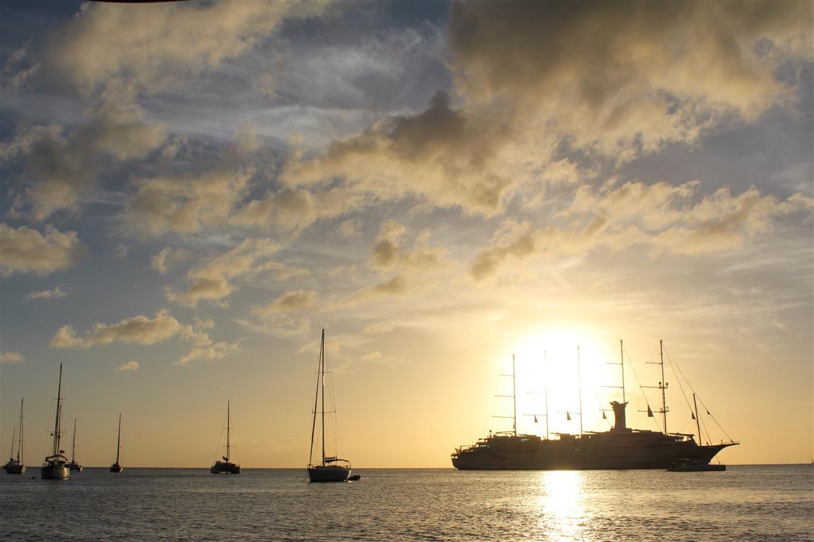 """Die """"Club Med 2"""" in der Bucht von Soufriere"""