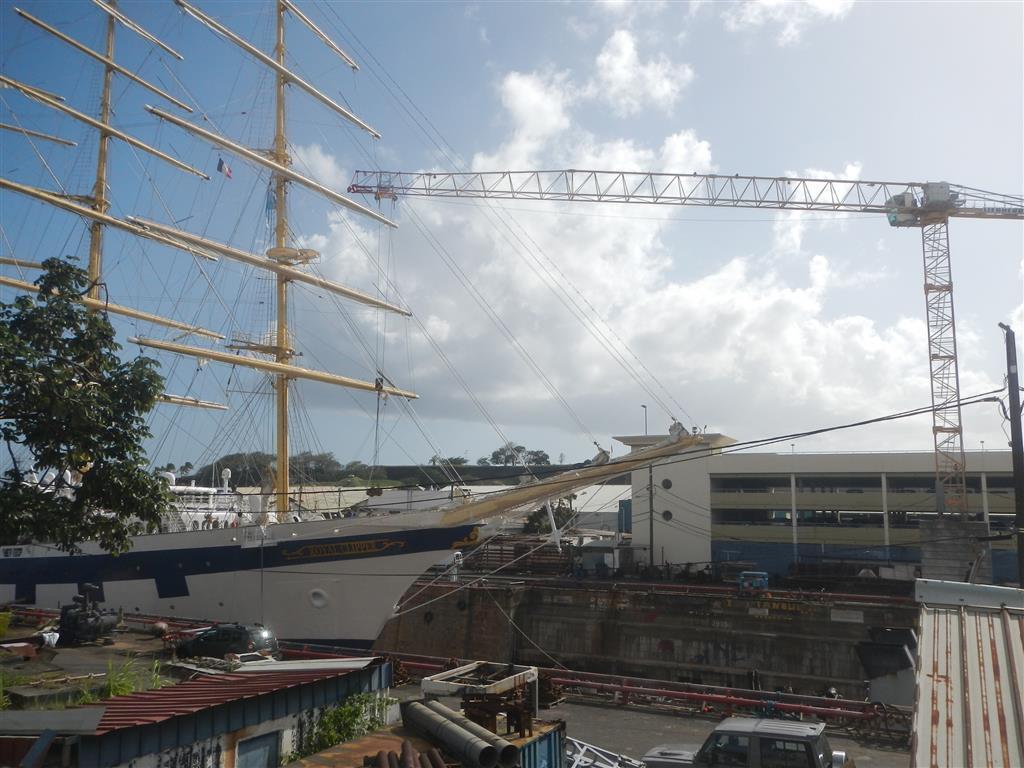 Die Royal Clipper ist für einige Tage auf dem Trockendock in Martinique, bevor sir zur Atlantiküberquerung aufbricht