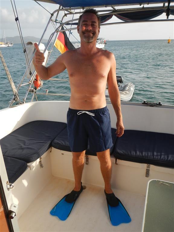Sven wurde mit Badehose und Flossen neu eingekleidet