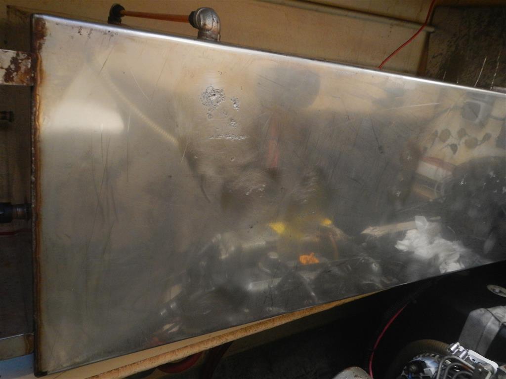 Der Tank ist gereinigt und kann nun reapriert werden.
