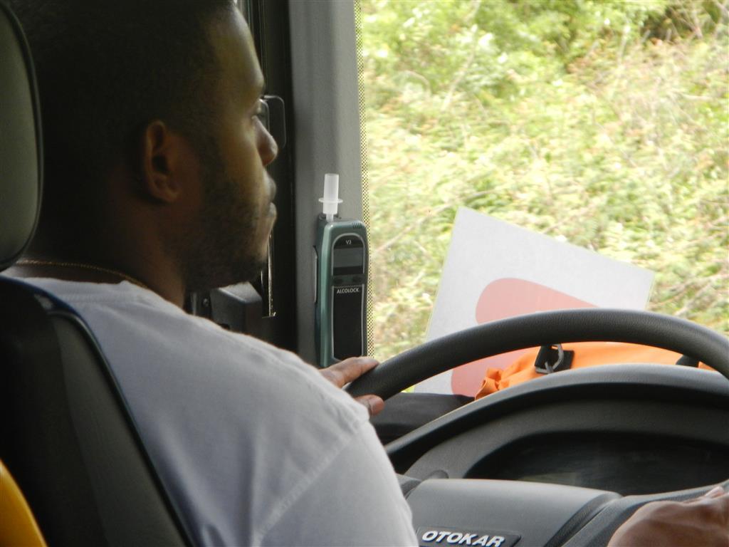 Atemalkoholtester in den öffentlichen Bussen von Martinique