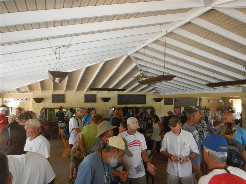 Segler-Flohmarkt in der Secret Harbor Marina jeden letzten Sonntag im Monat