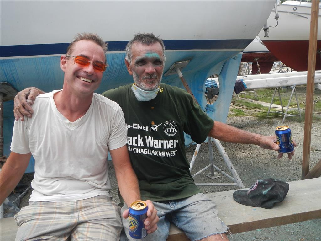 Sven und Phillip nach getaner Arbeit (man sieht, wer hier gearbeitet hat und wer nicht...)