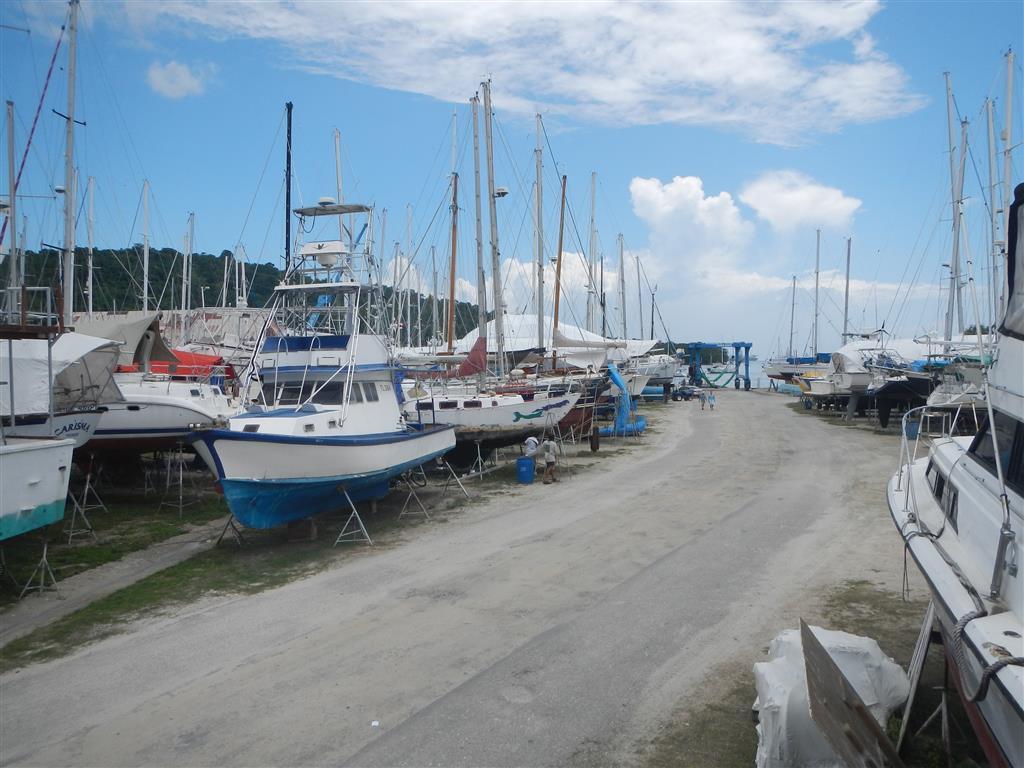 Blick zum Travellift bei Power Boats