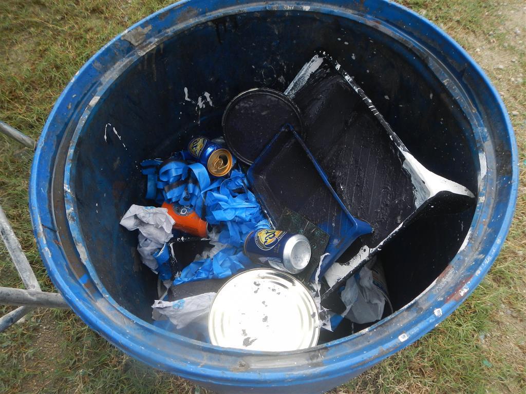 Nach getaner Arbeit ist unsere Mülltonne ziemlich voll geworden.