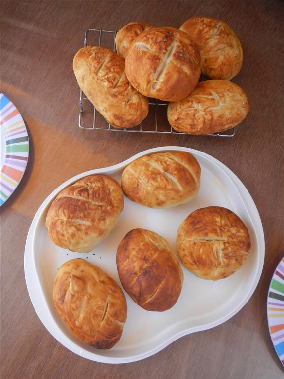 Das Ergebnis sieht vielleicht nicht ganz so wie beim Lieblingsbäcker aus, aber der Geschmack stimmt!