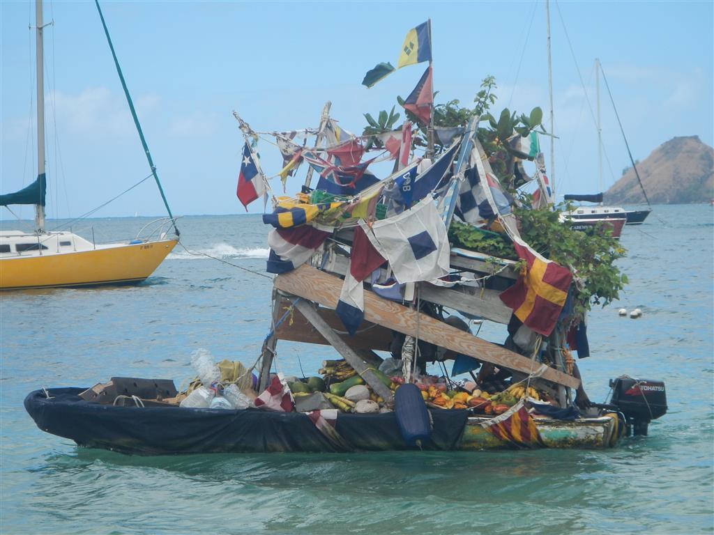 Mobiler Obstverkäufer in der Rodney Bay von St. Lucia.
