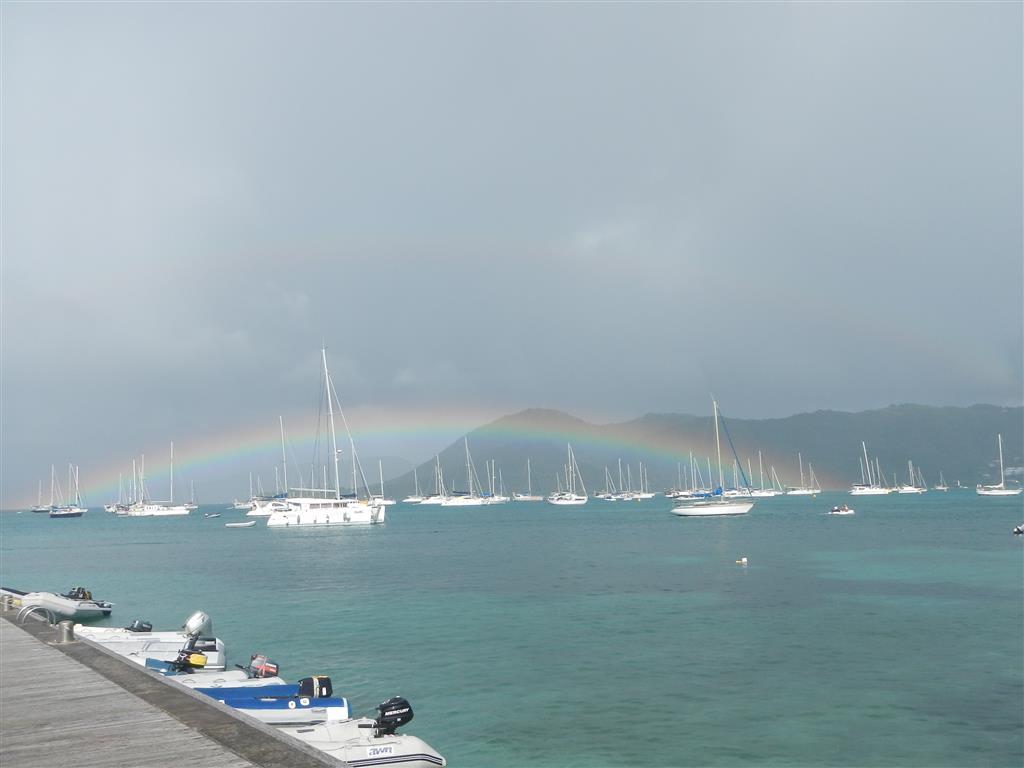 Ankerplatz St. Anne. Der Regenbogen beginnt fast bei Blue Felix.