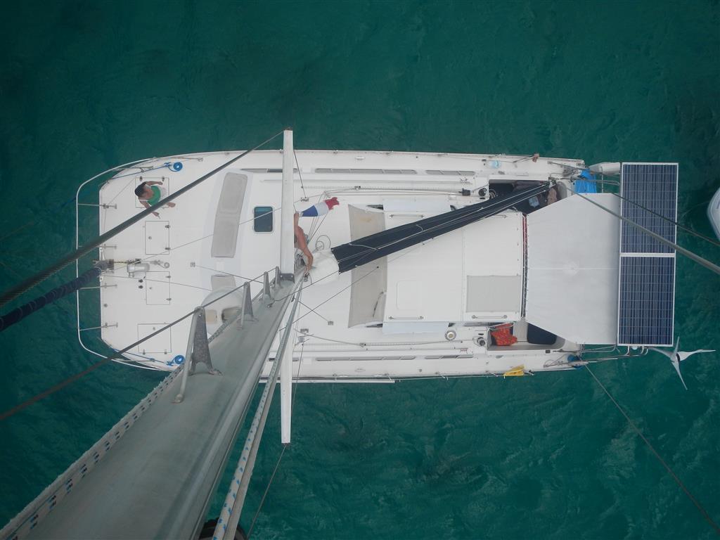 Blick vom Mast aufs Schiff ...